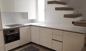 Mobiliario de cocinas y baños para chalets de Cubik