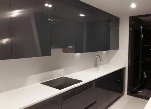 Mobiliario de cocinas y baños para chalets
