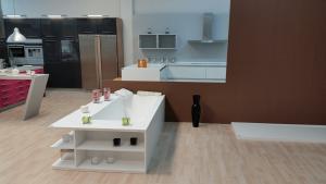 Cubik : Superficies sólidas a medida para baños, cocinas y revestimientos interiores