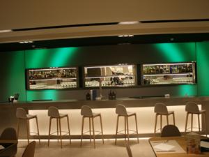 Cubik fabrica elementos de decoración, encimeras de cocina, sanitarios y revestimientos interiores
